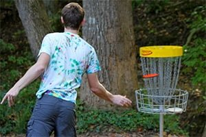 Disc golf course brings together students, athletes and faculty
