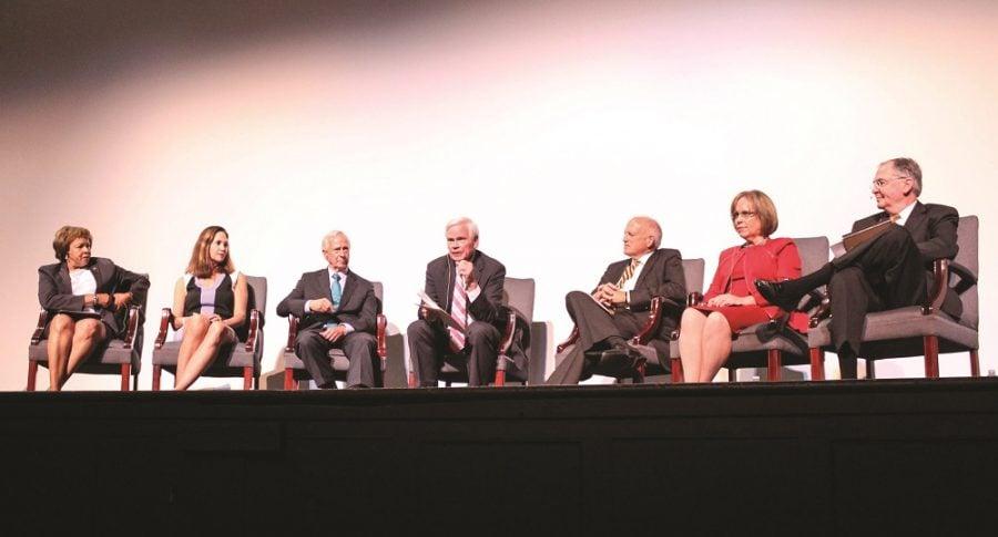 Fernandes speaks at college forum