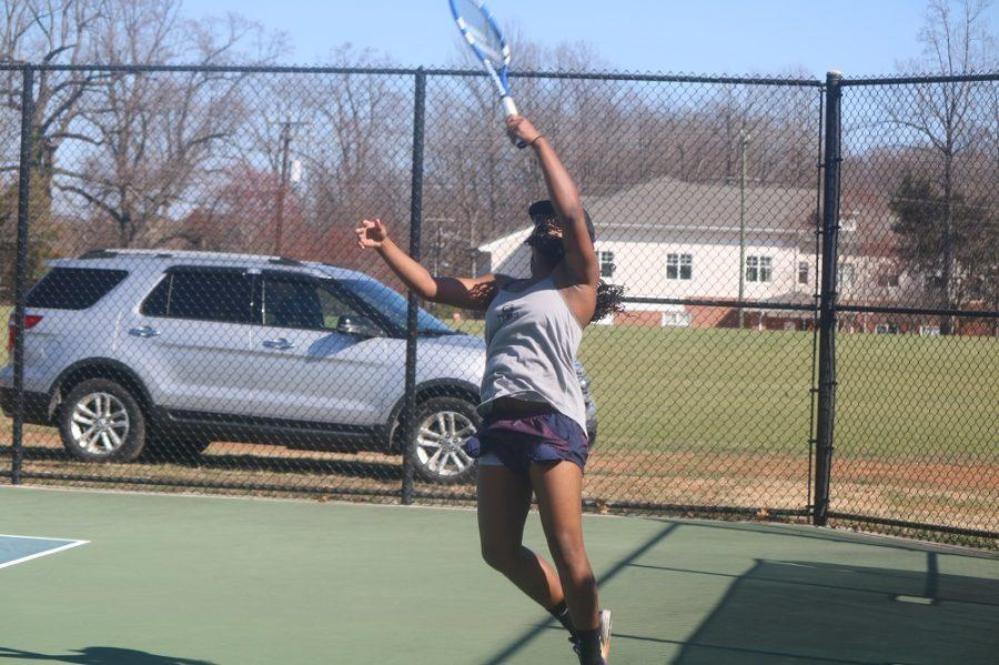 Makayla+McLaurin++practices+for+her+team%27s+next+tennis+match%0Awhich+will+take+place+at+Methodist+University+on+February+25.%2C+2017.