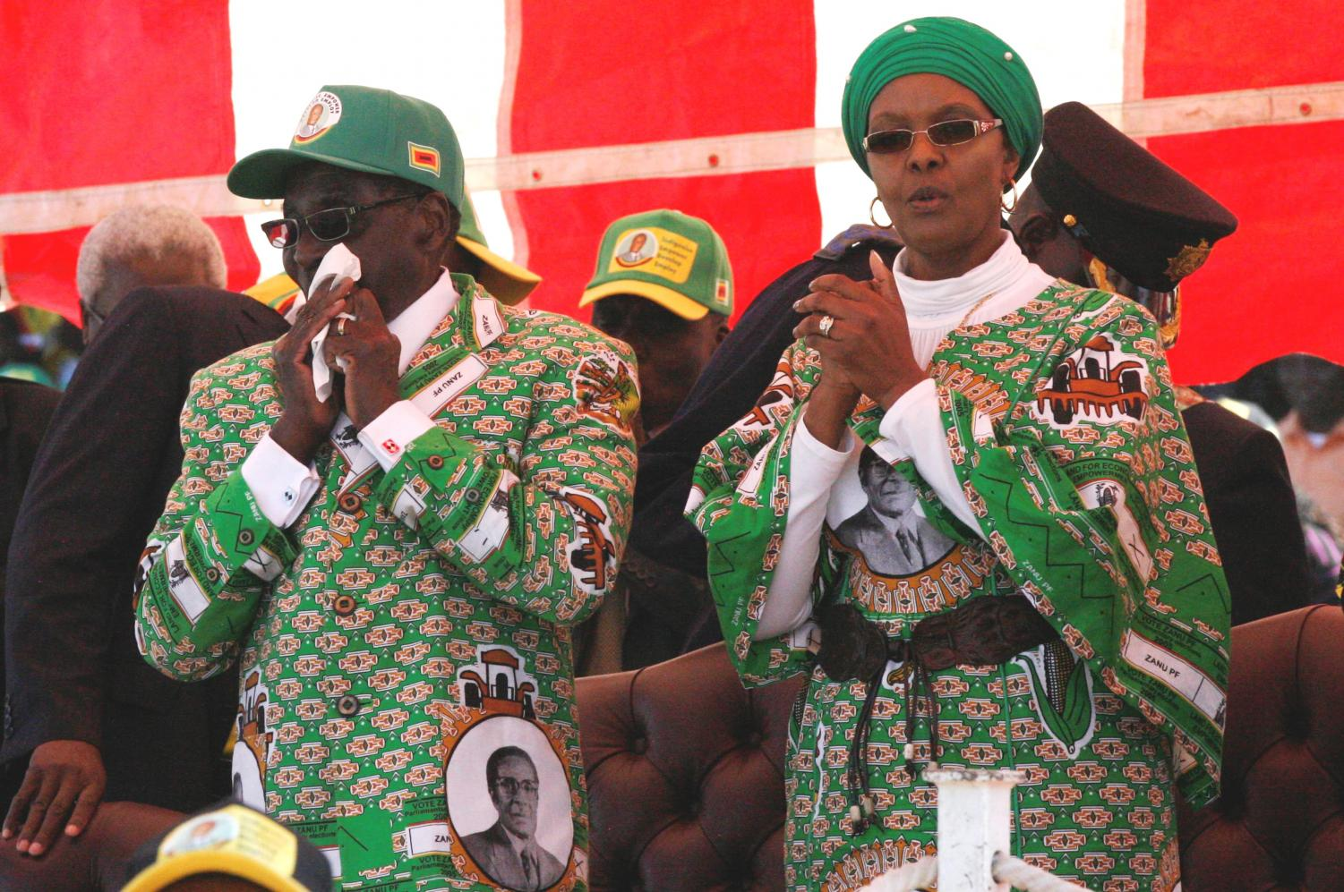 Grace Mugabe with Robert Mugabe.By User:DandjkRoberts - Own work, CC BY-SA 3.0, https://commons.wikimedia.org/w/index.php?curid=27559796