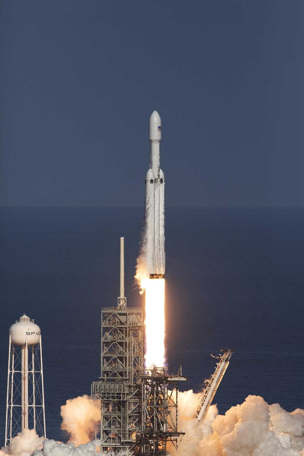 SpaceX launches Falcon Heavy rocket – The Guilfordian