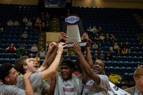Men's Basketball takes down Sewanee to advance to second round of the NCAA Tournament