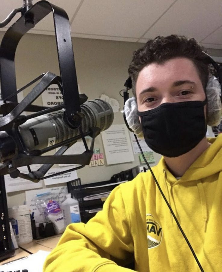 DJ Asa Massie '24  hosting a show on 90.9 FM.