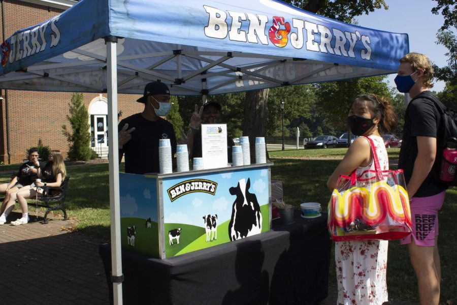 Two ice creams coming up: Sweet treats from Ben & Jerrys were among the choices at the community event. //Photo by Meghan Curley/The Guilfordian